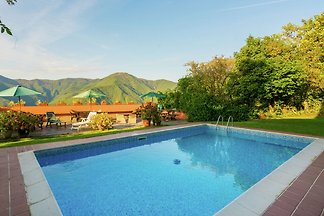 Picturesque Cottage in Montseny with Swimming...