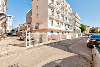 Appartement in Rimini met zeezicht en een...