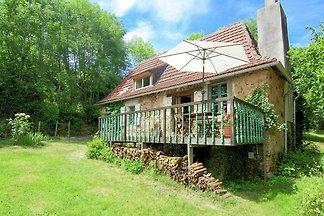 Malerisches Ferienhaus in Juillac mit private...