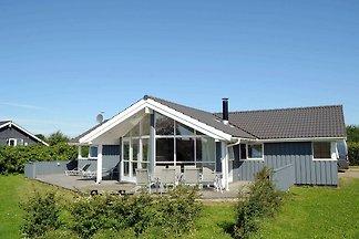 Modernes Ferienhaus in Børkop mit Sauna
