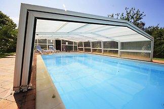 Ferienhaus mit privatem Pool in Plounéour-Tre...