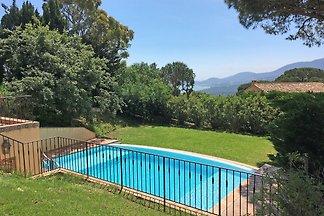 Modernes Ferienhaus mit privatem Pool in La...