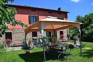 Komfortables Ferienhaus mit eigenem Garten in...