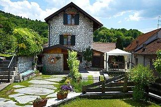 Freistehendes Cottage mit eigenem Garten in P...