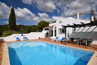 Villa Boutique en Faro con piscina privada