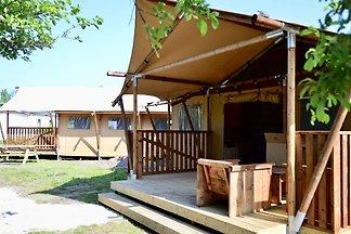 Schönes Zelt mit Küche und Dusche, nahe am Me...