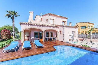 Luxuriöse Villa St. Pere Pescador mit...