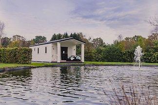 Gemütliches Chalet an einem Teich gelegen, di...