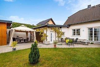 Vrijstaand vakantiehuis in Duitsland met grot...
