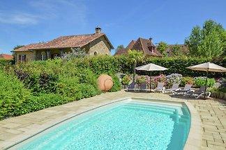 Luxuriöse Villa mit separatem Gästehaus und e...