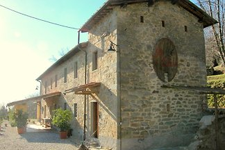 Charmantes Cottage in Pescia mit Swimmingpool