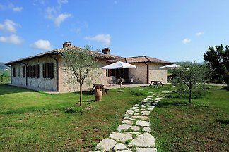 Beautiful Farmhouse in Passignano with Swimmi...