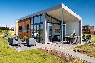 Modernes Chalet mit schöner Terrasse in...