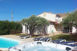 Vintage-Villa in Montbrun-des-Corbières mit...