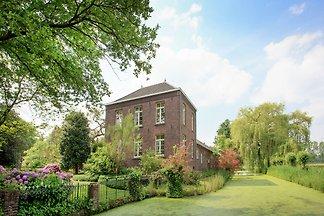 Geräumiges Herrenhaus in Swolgen mit Garten