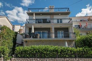 Schöne moderne Wohnung für max 6 Personen nur...
