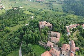 Schöne Wohnung in Asti mit Garten