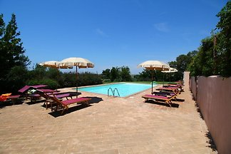 Luxuriöser Bauernhof mit Pool in Montalto di...
