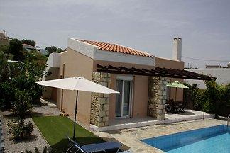 Ruhige Villa mit Swimmingpool in Loutra Kreta