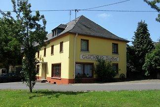 Großes Ferienhaus in der Eifel mit Grill
