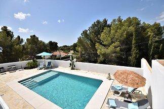 Schöne Villa mit privatem Pool