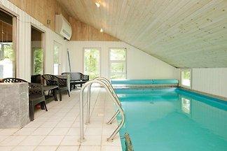 Luxuriöses Ferienhaus in Oksbol mit Sauna