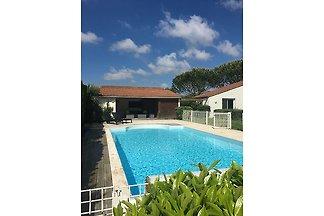 Moderne Villa mit privatem Pool in Poitou der...