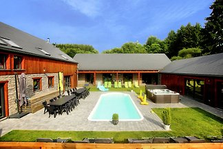 Plush Villa in Manhay with Heated Pool & Well...