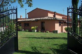 Gemütliches Ferienhaus mit Pool in San Cascia...