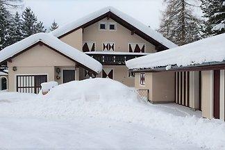 Schönes und großes Haus im Wander- und Skigeb...