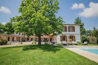 Luxuriöses Landhaus mit Swimmingpool in...