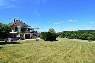 Reizvolles Ferienhaus in Chaumard mit eigenem...