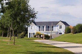 Geräumige Villa mit privatem Pool am Golfplat...
