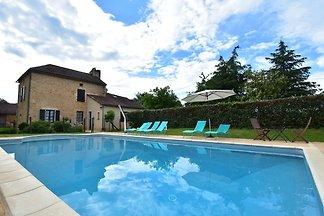 Modern vakantiehuis in Besse, Dordogne met...