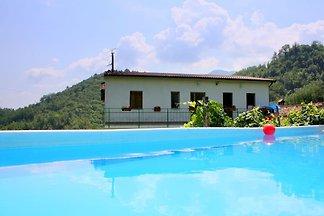 Einladende Ferienwohnung mit privatem Pool in...