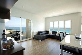Moderne Wohnung mit Panoramablick auf das Mee...
