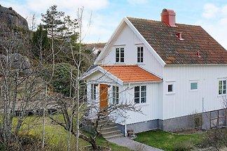 8 Personen Ferienhaus in Bovallstrand