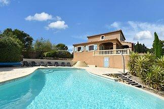 Gemütliche Villa in Montbrun-des-Corbières mi...