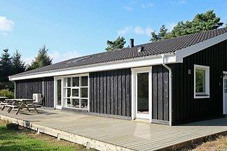 Luxuriöses Ferienhaus in Hals mit Sauna
