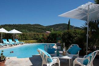 Wunderschöne Villa mit privatem Pool in Les I...