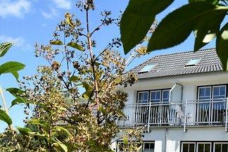 Großzügige Ferienwohnung mit Balkon in Graal-...