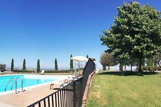 Apartament w Asciano ze wspólnym basenem...