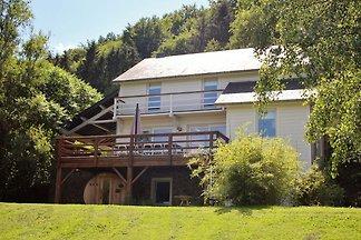 Geräumiges Ferienhaus in Jupille mit Sauna