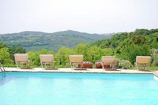 Peaceful Apartment in San Gimignano Tuscany w...