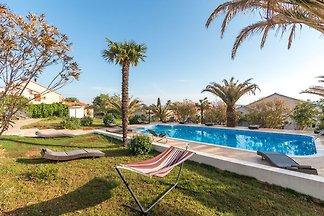 Schönes Ferienhaus in Bibinje in der Nähe des...