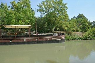 Charmantes Boot in Villedubert mit Terrasse