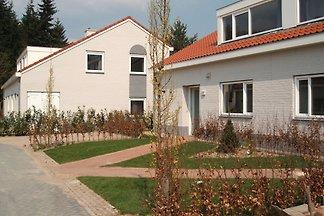 Neu gestaltete Villa im Grünen mit 5...