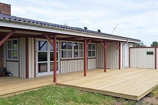 Ruhiges Ferienhaus in Ebeltoft mit Terrasse