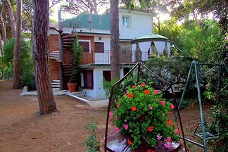 Warm Holiday Home in Marina di Castagneto Car...