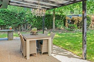 Gehobener Bungalow mit eigenem Garten in...